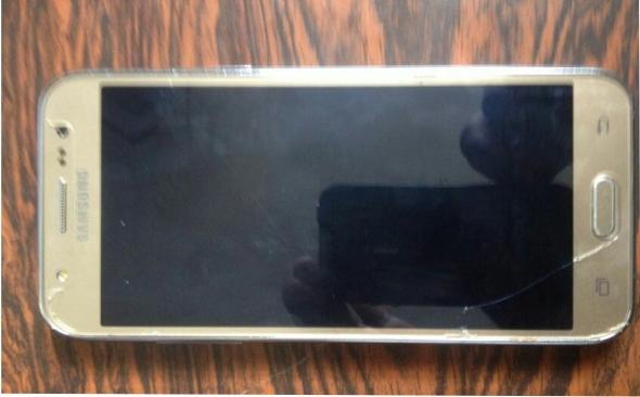 celular j5 roubado